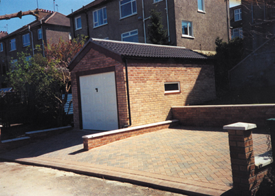 Garage construction in Atholl brickwork